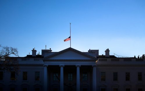 Half staff - Doug Mills - The NYTimes