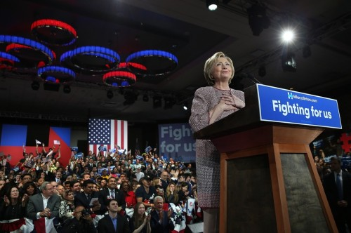Hillary Aliens landing